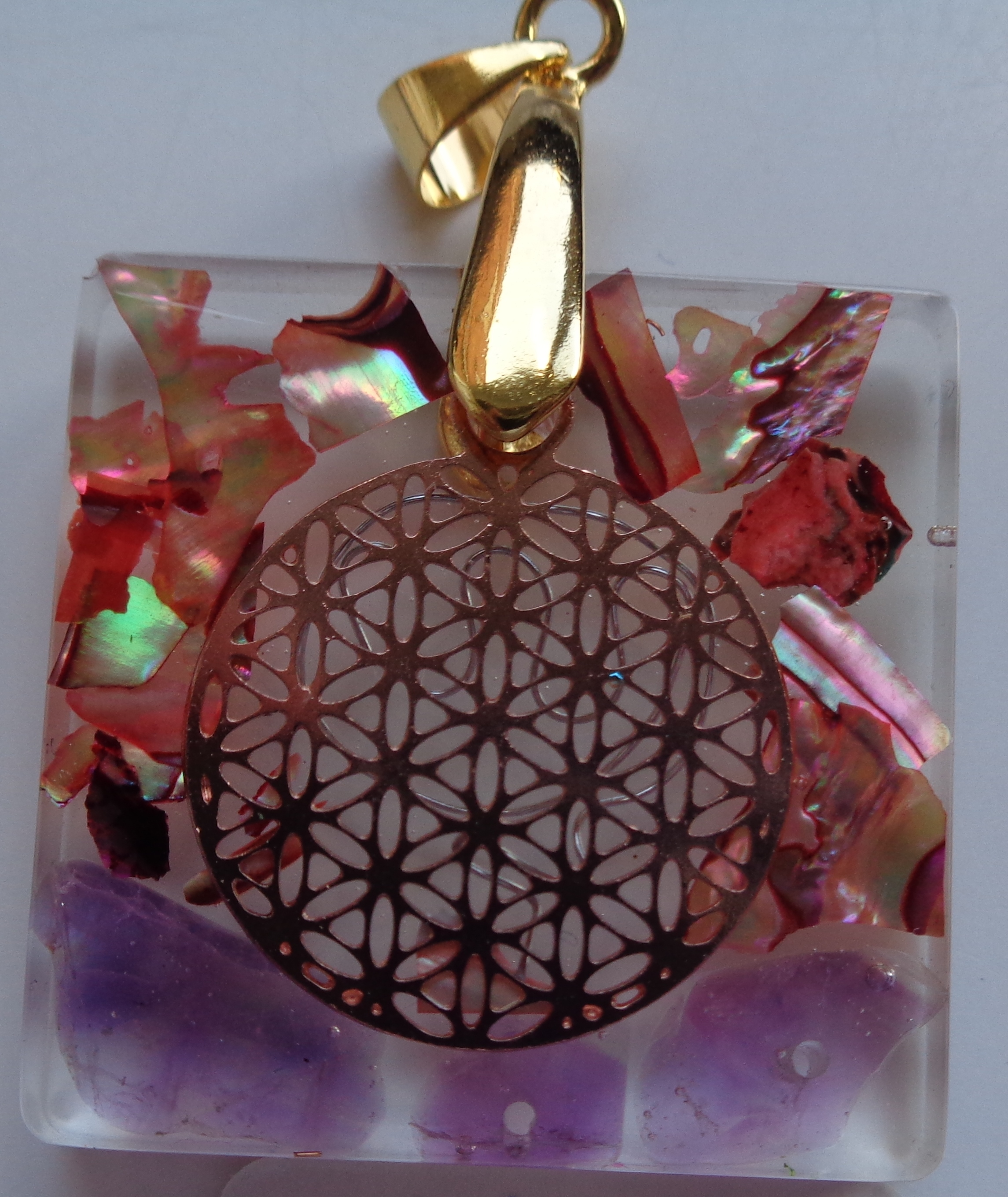 Amethyst, Abalone, Flower of Life €25,00
