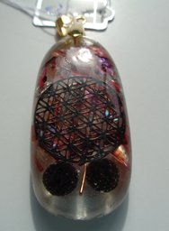 Lavasteen, Abalone, Flower of Life €25,00